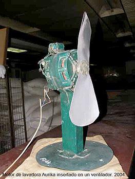 """Ernesto Oroza.""""Ventilador"""" 2004 (Motor de lavadora Aurika insertado en un ventilador)"""